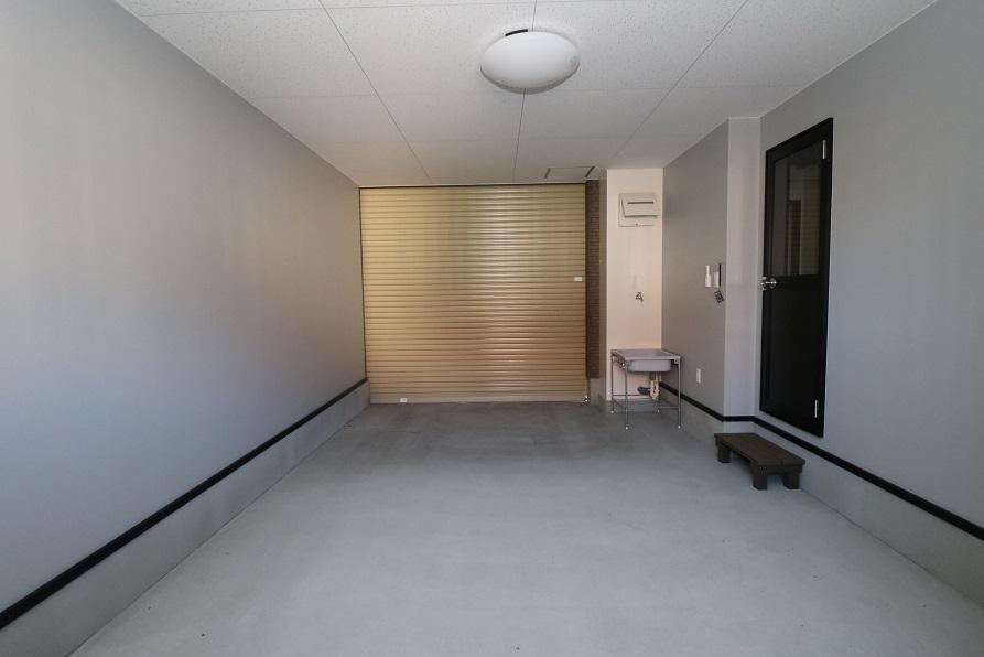1階ガレージ