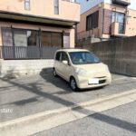 駐車場は前道路が広く平面なので停めやすいです!