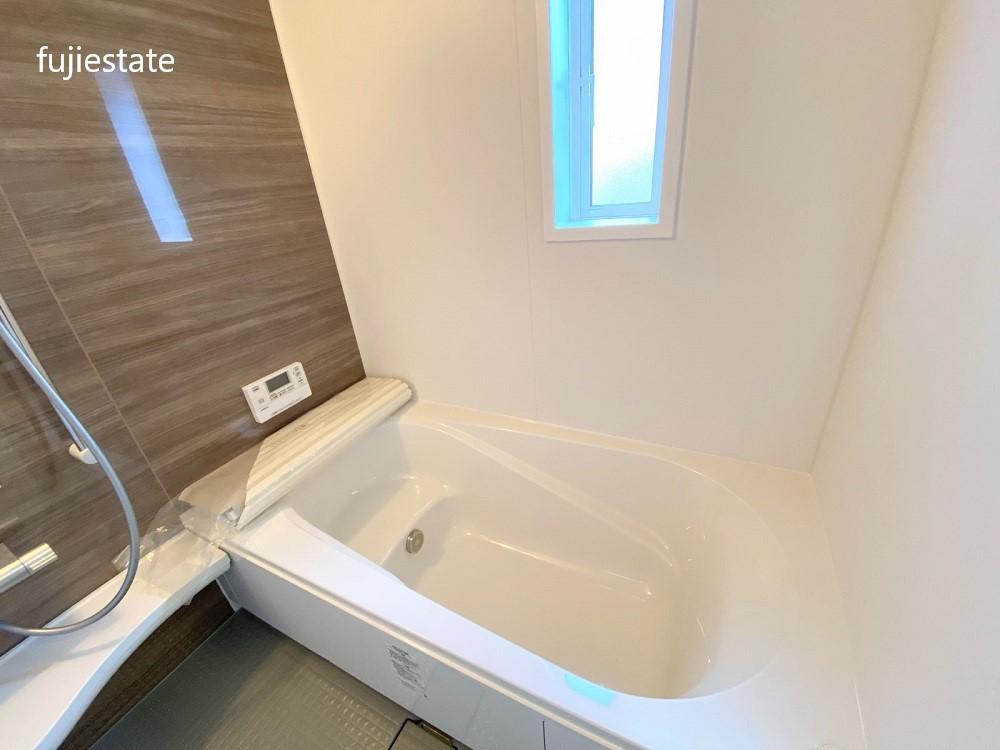 浴室:浴室乾燥機・追炊き機能付き