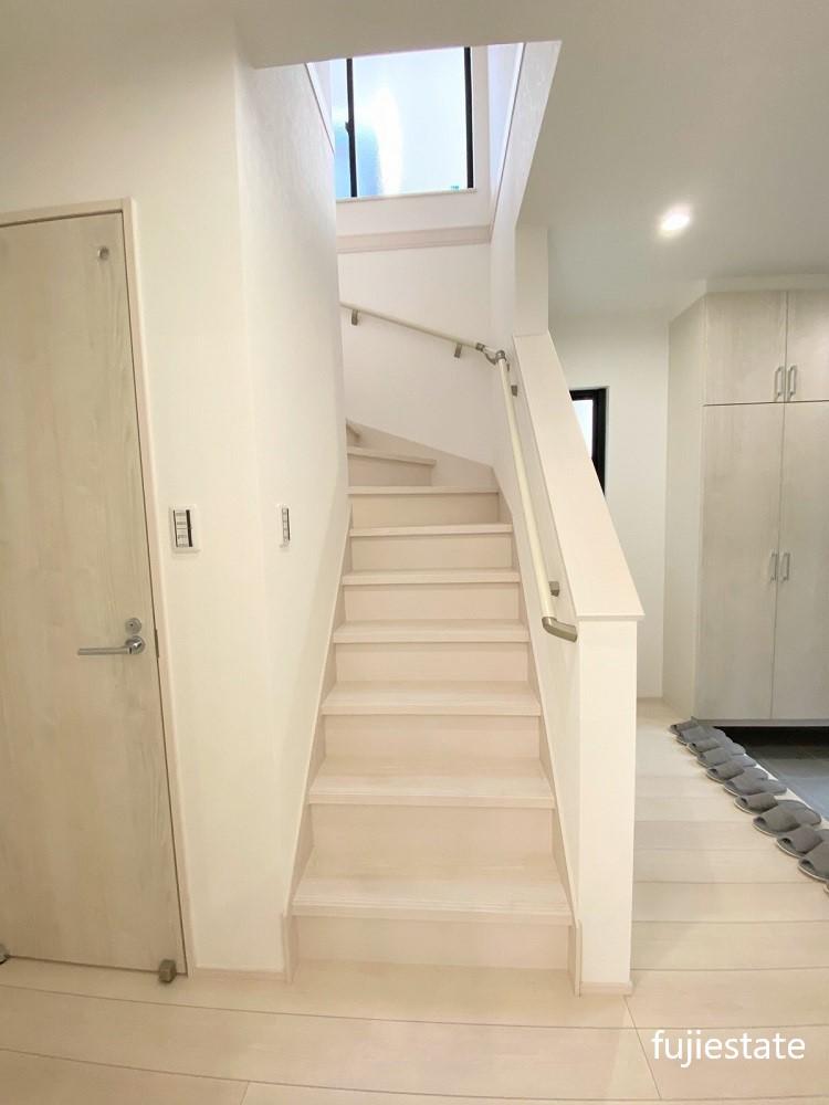 1階階段付近