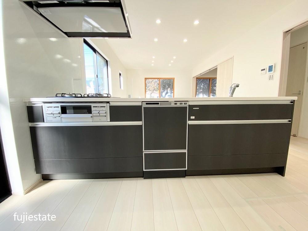 食洗機付のシステムキッチン