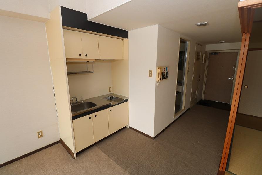 反対側のキッチン