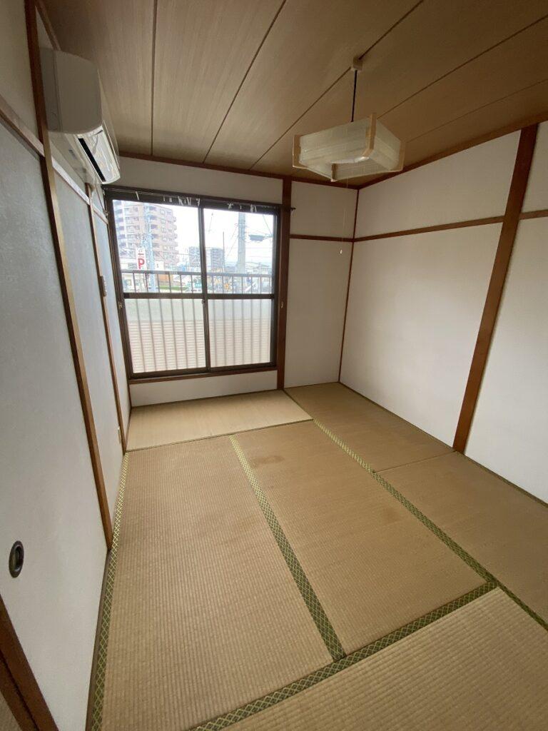 和室(照明はサービス品)